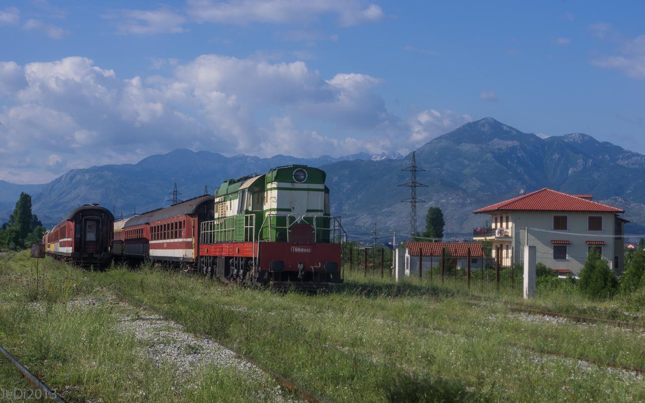 http://dso.allesfreaks.de/reiseberichte/201306-Balkan/20130613-IMGP5976JeDiklein.jpg