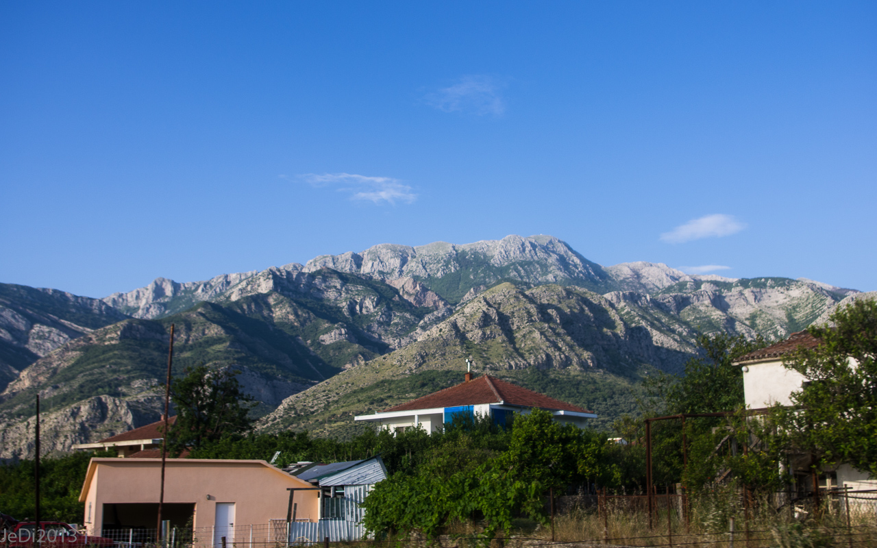 http://dso.allesfreaks.de/reiseberichte/201306-Balkan/20130613-IMGP6034JeDiklein.jpg