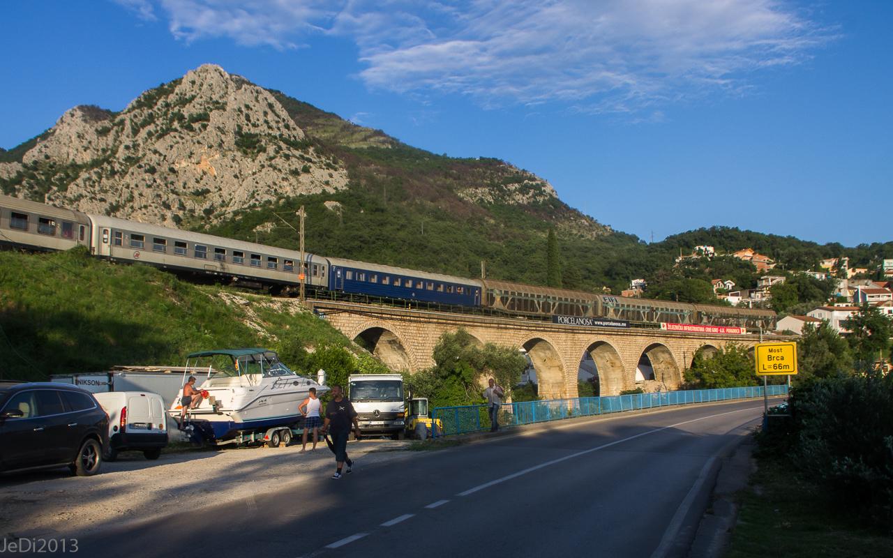 http://dso.allesfreaks.de/reiseberichte/201306-Balkan/20130613-IMGP6055JeDiklein.jpg