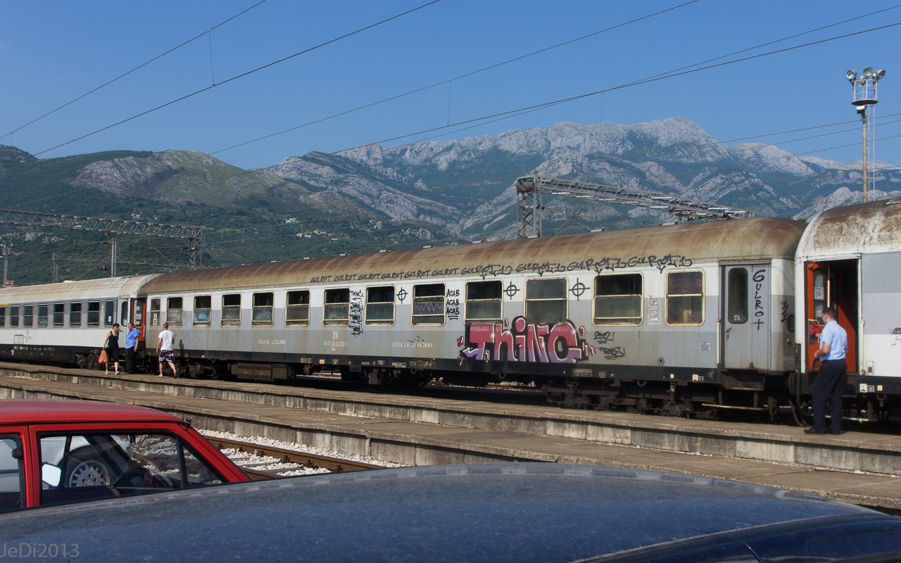 http://dso.allesfreaks.de/reiseberichte/201306-Balkan/20130615-IMGP6347JeDiklein.jpg